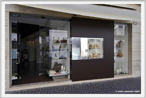 Santini鞋包专卖店设计 Claudio Nardi设计师作品