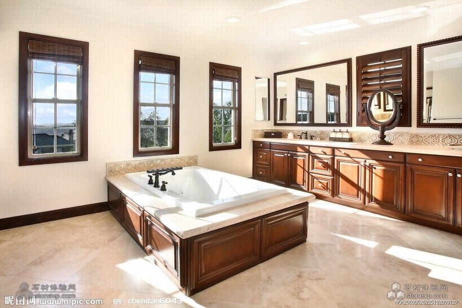 白色石材做的浴缸