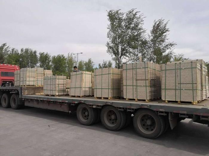 新疆和顺达石材厂家直销卡拉麦里金卡拉