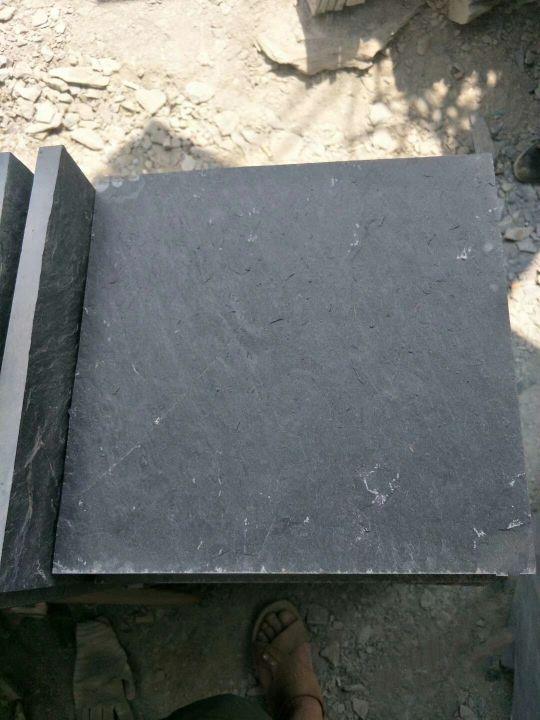 黑色板岩,锈色板