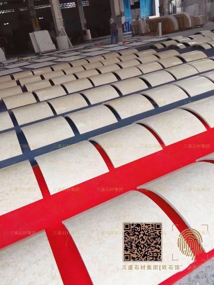 三盛工程大量圆柱、罗马柱专家13489