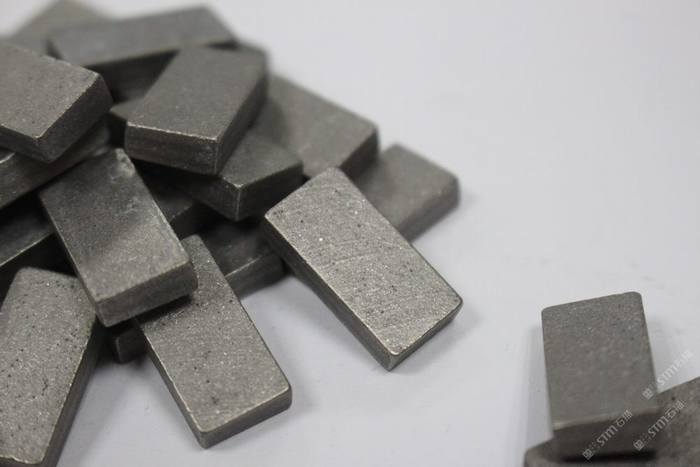 切割岗石(石英石)等排锯刀头加工机械切割工具辅料