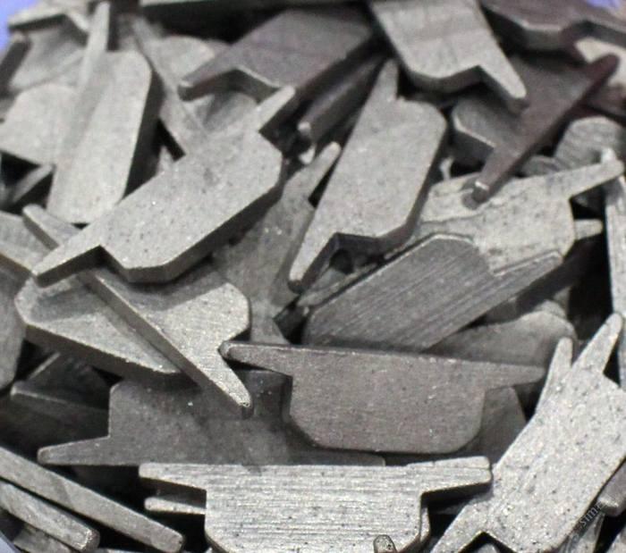 切割米黄系列暗裂孔洞烂料等排锯刀头钢带加工机械工具