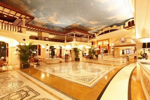 威尼斯皇冠假日酒店 極具異域風情