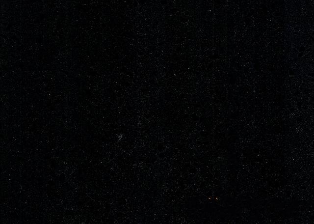 晶鉆黑(石英石)